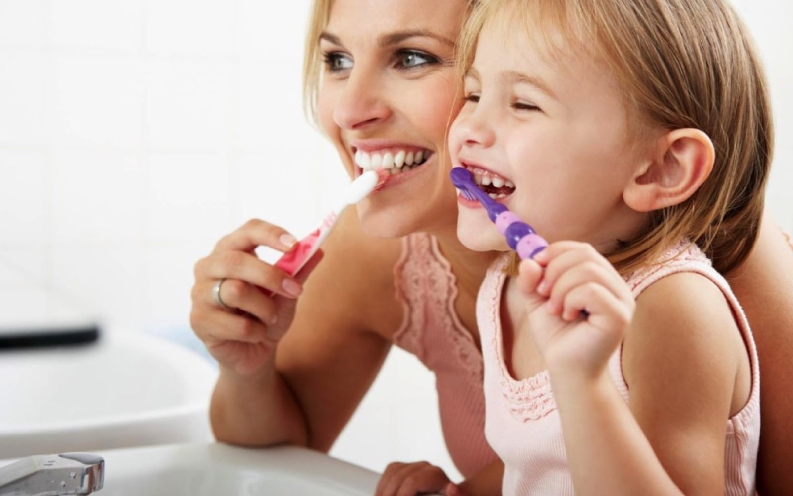 Dental care for children - brushing their teeth